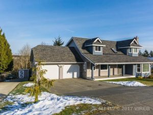 Great Family Home Near Westwood Lake In Nanaimo Bc Love